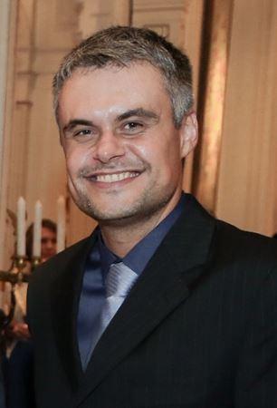 Dr. Christiano Machado